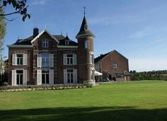 Castle of Froidthier – Thimister-Clermont (Belgium) – Holiday cottage - Room… Stay In A Castle, Sauna, Best Vacations, All Over The World, Netherlands, Swimming Pools, Villa, Cottage, House Styles