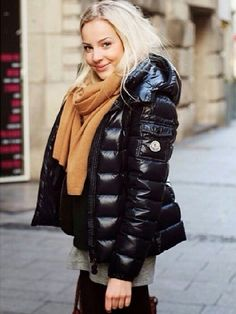 Black Moncler Bady downjacket Date: December 2013 Author: shinynylon Category: down jacket Moncler Jacket Women, Outfit Invierno, Puffy Jacket, Jackets For Women, Clothes For Women, Winter Coats Women, Mens Winter, New York Fashion, Korean Fashion