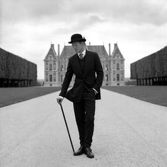 nothing like a suited man in a beautiful garden - Rodney Smith Photography Jay Gatsby, Robert Redford, Scott Fitzgerald, Great Photographers, Portrait Photographers, Oscar Wilde, Style Blog, Men's Style, Rodney Smith