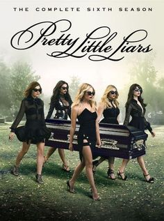 PLL is an American crime thriller TV series. We have 40 amazing HQ printable Pretty little Liars poster which you can hang in your rooms and workplace. Pretty Little Liars Saison, Preety Little Liars, Pll, Dvd Film, Film Serie, Le Style Shay Mitchell, Marlene King, Laura Leighton, Shotting Photo