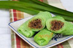 Kuih Dadar/Kuih Tayap Recipe Pandan Crepe with Coconut Filling Ingredients: Pandan Juice 5 pandan leaves,