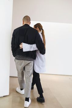Jil Sander's Luke and Lucie Meier shed light on minimalism, the brand's personality, and love at first sight. Fashion Couple, Love Fashion, Mens Fashion, Street Fashion, Fashion Ideas, Stylish Couple, Stylish Men, Outing Outfit, My Emotions