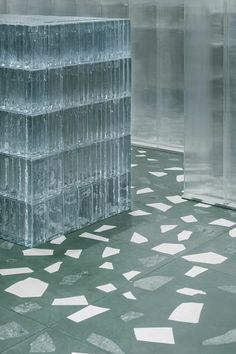 studio 10 fuses green terrazzo with glass for concept store in shenzhen Retail Interior Design, Retail Store Design, Interior Exterior, Interior Architecture, Retail Stores, Window Display Retail, Retail Displays, Shop Displays, Merchandising Displays