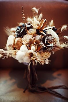 #Fallwedding bouquet idea - photo by Milou+Olin