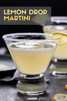 Easy Lemon Drop Martini Recipe, Lemon Martini, Lemon Drop Drink, Martini Recipes, Alcohol Drink Recipes, Cocktail Recipes, Vodka Cocktails, Cocktail Drinks, Martinis