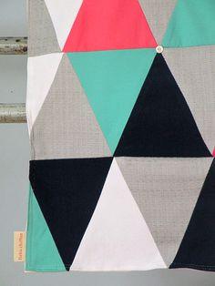 Couverture à marmaille: série cirque turquoise & fuschia by fichuchiffon on Etsy www.lacabaneatelier.com