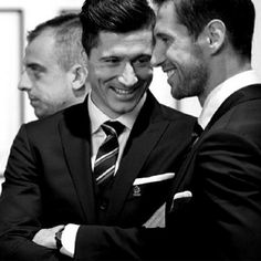 Robert Lewandowski / Fc Bayern München / Poland/ Polish Natinal Team Football Boys, Football Players, Polished Man, Robert Lewandowski, Dapper Day, Raining Men, David Beckham, Preppy Style, Gentleman
