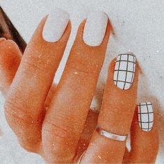 Acrylic Nails Coffin Short, Simple Acrylic Nails, Fall Acrylic Nails, Acrylic Nail Designs, Colored Acrylic Nails, Square Acrylic Nails, Coffin Nails, Stylish Nails, Trendy Nails