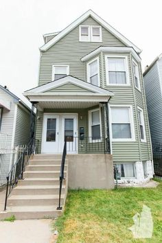 Chicago Apartments: Avondale 3 Bedroom Apartment for Rent