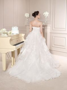 Destination Style: Spotlight International - Barcelona!  Fara Sposa: 5643