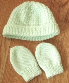 Handmade Mint Green Knitted Baby Girls Hat and Mittens 3-6 months, Knitted Baby Girls Hat & Mittens - Unique by BunkysVintageCrafts on Etsy