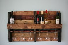 New wood diy wine shelves 33 Ideas Pallet Crafts, Pallet Projects, Home Projects, Recycled Pallets, Wood Pallets, Rustic Wine Racks, Wine Shelves, Wine Storage, Pallet Wine