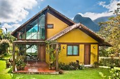Hut House, Tiny House Cabin, Yellow Houses, Facade House, Tropical Houses, Cottage Homes, Style At Home, Home Fashion, House Colors