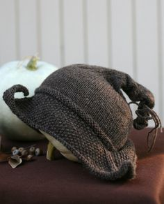 tricorn hats | Tricorn witchy hat | Vestita Modus Operandi