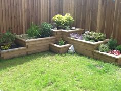 Raised flower beds and planters for your garden are easy with WoodBlocX any shape or size. Special offers every month + a free design service! Back Garden Design, Backyard Garden Design, Small Backyard Landscaping, Landscaping Design, Garden Yard Ideas, Garden Boxes, Garden Projects, Raised Flower Beds, Raised Garden Beds