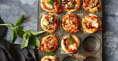 Quick and easy pizza muffins. These quick and easy pizza muffins can be made with a variety of toppings - so there& something everyone will love! The Dude Diet, Just Pies, Savory Muffins, Savoury Pies, Savoury Baking, Beef Pies, Brunch, Flaky Pastry, Chicken Meatballs