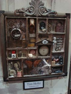 Reminds me of the curiosity cabinet I still want to make one of these days.should do this with one of the type drawers I've been hoarding Altered Boxes, Altered Art, Swing Tattoo, Diy And Crafts, Arts And Crafts, Diy Shadow Box, Assemblage Art, Tim Holtz, Biscuit