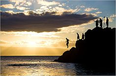 NY Times guide to where to stay, eat and play on Maui.