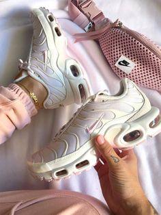 Best Sneakers, Custom Sneakers, Air Max Sneakers, Shoes Sneakers, Nike Air Shoes, Nike Air Max Plus, Sports Luxe, Foot Locker, Unique Shoes