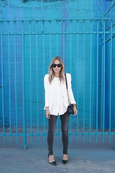Saturday Style: Button down, skinny jeans, pointy-toe heels, chain-strap handbag