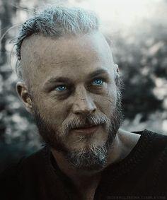 Travis Fimmel his eyes though Ragnar Lothbrok Vikings, Lagertha, Vikings Travis Fimmel, Viking Warrior, Viking Woman, Band Tattoos, Viking Series, Viking Dress, Vikings Tv Show