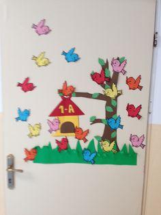 İlköğretim Haftası.Yeni sınıf kapımız. Adalet öğretmen. Classroom Board, School Classroom, Classroom Decor, Class Decoration, School Decorations, Autumn Activities, Preschool Activities, Paper Crafts For Kids, Arts And Crafts