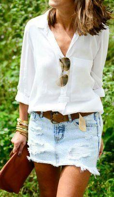 Saia jeans com blusa branca
