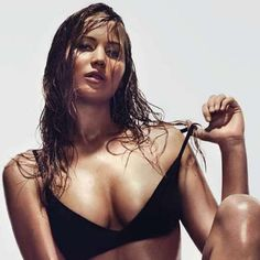 """Jennifer Lawrence is the sexiest actress ever. You most likely know Jennifer Lawrence because of her appearances in """"The Hunger Games"""", """"The Hunger Games: Catching Fire"""", """"The Hunger Games: Mockingjay"""", """"X-Men: First Class"""" or """"X-Men: […] Rosie Jones, Jennifer Lawrence Dating, Jenifer Lawrence, Lady Gaga, Hunger Games, Divas, Pop Rock, Katniss Everdeen, Porno"""