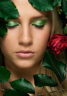 green eyes n butterflies