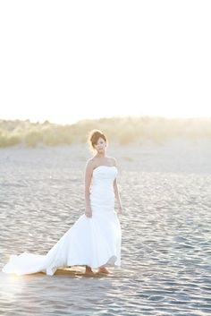 Ocean beach bride bridal gown dress with Jennifer Bagwell Photography & The Frosted Petticoat