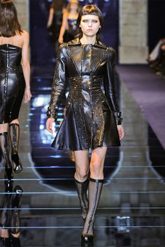Versace - Collections Fall Winter 2012-13 - Shows - Vogue.it