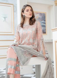 Fancy Dress Design, Latest Dress Design, Stylish Dress Designs, Designs For Dresses, Dress Style Pakistani, Simple Pakistani Dresses, Pakistani Outfits, Couture Dresses, Fashion Dresses
