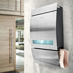 Blomus SIGNO Letterbox with translucent slit - Featuring a lock and a small window for ease of use and extra security.