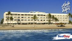 El Hotel de Cima en Mazatlán es un hotel de negocios con una privilegiada ubicación sobre el tradicional malecón y con acceso a la playa a través de un tunel. Sus instalaciones son amplias y ofrecen convenientes servicios para alternar momentos de trabajo y ocio. Así pues, disfruta la piscina con jardín y área de parrilla, restaurante, centro de negocios y acceso a la playa con camastros que podrás usar al consumir en el restaurante, el cual es independiente del hotel. #OjalaEstuvierasAqui