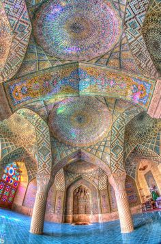 IRAN most beautiful mosques!Mesmerizing Mosque Ceilings That Highlight the Wonders of Islamic Architecture Art Et Architecture, Islamic Architecture, Beautiful Architecture, Beautiful Buildings, Geometry Architecture, Cathedral Architecture, Historical Architecture, Shiraz Iran, Beautiful World