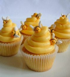 """Bumble Bees-  Beehive cupcakes... Would be cute for a baby shower!! If you didn't know what it was, you could use the """"what will it bee"""" theme! ;) Pinned from gastrogirl.tumblr.com"""