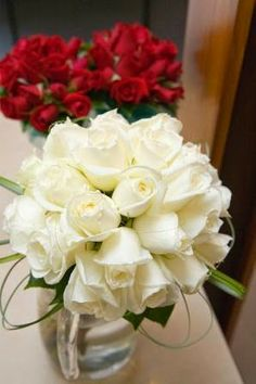 Wedding flowers roses http://weddingflowersideas.blogspot.com/2014/04/wedding-flowers-roses.html