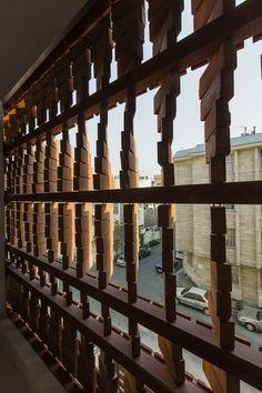 Cloaked in Bricks / Admun Design & Construction Studio