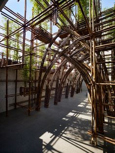 vietnamese architects vo trong nghia (VTN) have completed their first project in japan, a bamboo pavilion constructed for tokyo's TOTO gallery MA. Bamboo Building, Bamboo Structure, Bamboo Construction, Bamboo Art, Bamboo House, Pavilion Architecture, Parametric Design, Exterior Design, Outdoor Structures