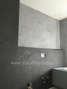 #workinprogress 2 kleuren Betoncire. www.stucadoorstiens.nl