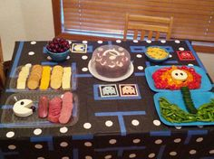 gamer om noms at video game themed party (good work Tami!)
