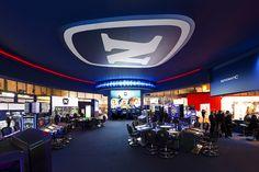 Panorámica del interior del stand de NOVOMATIC. COOC Alternativa de Diseño.