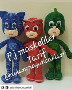 with ・・・ Iyi gunlerrr sonunda bitti 😍 fazlasiyla soruldu ve Crochet Food, Crochet Bags, Free Crochet, Crochet Fish Patterns, Baby Patterns, Amigurumi For Beginners, Stuffed Toys Patterns, Amigurumi Doll, Diy Toys