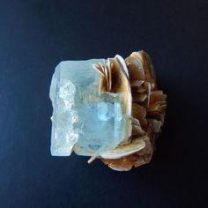 アクアマリン モスコバイト パキスタン産 28g/ 鉱物・原石