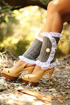 Crochet Leg Warmers - No pattern, but soooo cute!