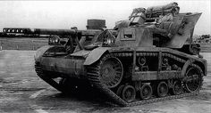 M5 Gun Motor Carriage. By 1941 the US realized the need for a self-propelled anti-tank gun larger than the 37mm. This interesting design mounted the 3-inch M1917 gun on a Cletrac M2 fast tractor, a vehicle used by the USAAF to move aircraft. There was no platform for the crew, who dismounted to fire the gun. The M5 was never produced, as the M3 half-track was considered to be a better carriage for the gun.