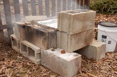 maple-syrup-backyard-boiler, look honey almost like yours :) Sugar Bush, Brick Bbq, Sugaring, Living Off The Land, Maple Tree, Outdoor Furniture Sets, Furniture Ideas, Cabin Plans, Boiler