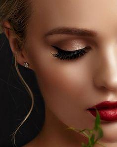 #makeup #instamakeup #cosmetic #cosmetics #socialenvy #shopstemdesigns #fashion #eyeshadow #lipstick #gloss #mascara #palettes #eyeliner #lip #lips #concealer #foundation #powder #eyes #eyebrows #lashes #lash #glue #glitter #crease #primers #base #beauty #beautiful http://ameritrustshield.com/ipost/1550197664247031892/?code=BWDaI_1FahU