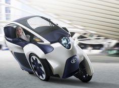 Toyota i-Road, un curioso triciclo eléctrico que se inclina como si fuera una moto (y que por ahora no podrás comprar)