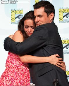 Summer Glau and Sean Maher Firefly reunion at SDCC 2012 this is so freaking adorable